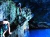 Arrampicata all'ingresso della Grotta Azzurra